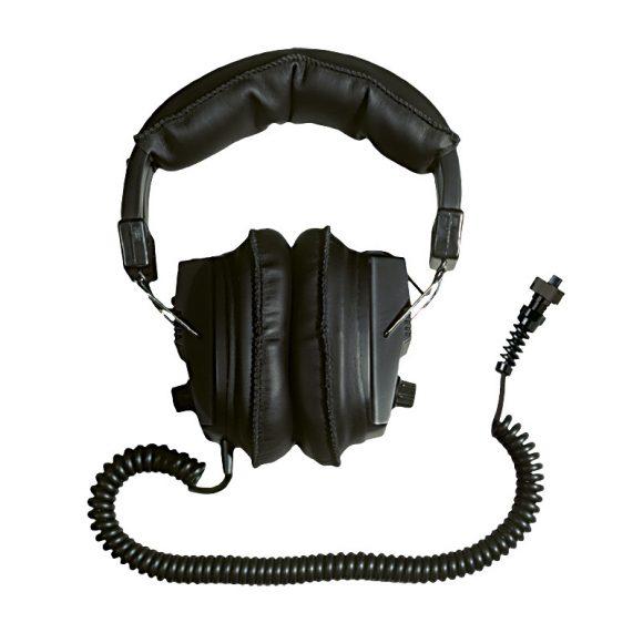 Garrett_at_gold_headphones__46683.1373240167.1280.1280